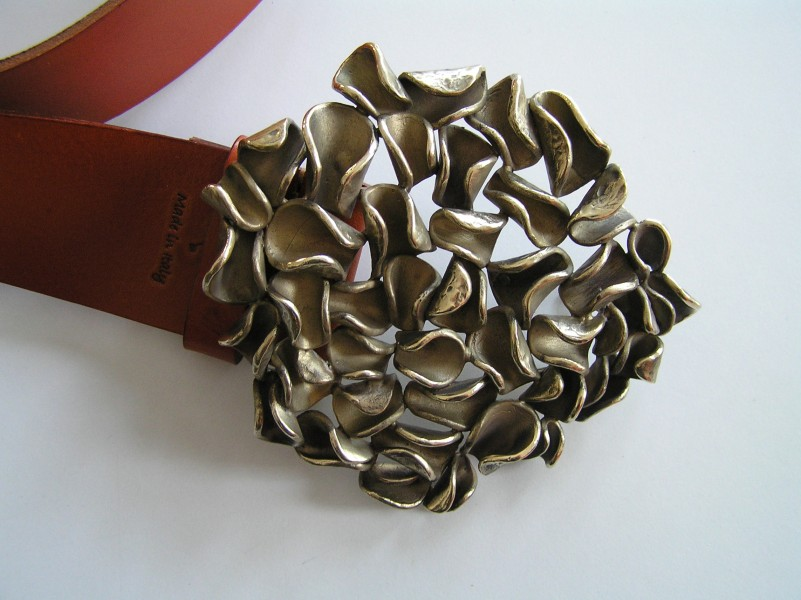 Personalised buckle with leaf decorations - art bronze sculpture