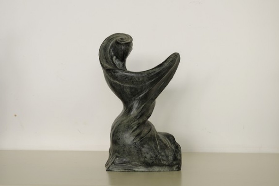 art bronze sculpture - bronze sculpture modern design of woman