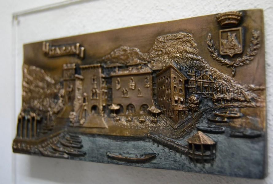 arte bronzo - bassorilievo in bronzo garda