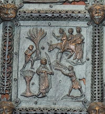 Formella di San Zeno - ingresso a gerusalemme
