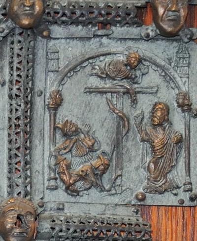 Formella di San Zeno - serpente di bronzo