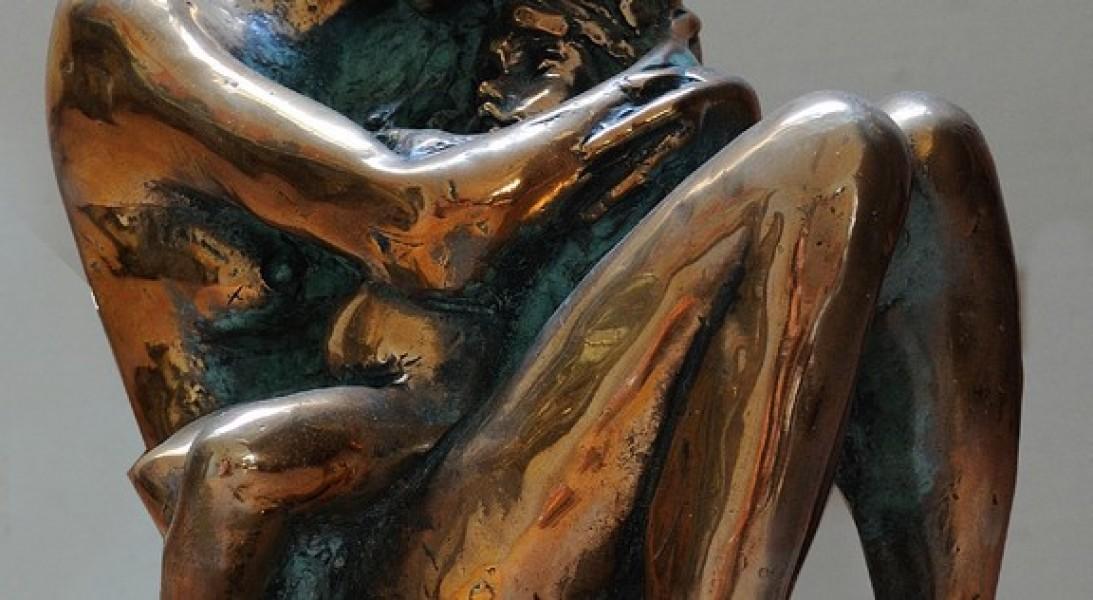art bronze sculpture - Golden colour bronze sculpture woman