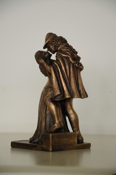 art bronze sculpture - bronze-sculpture-of-Romeo-and-juliet
